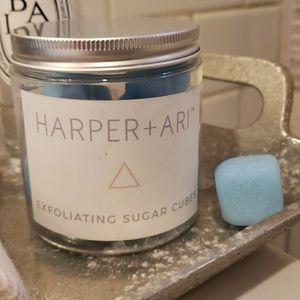 Harper + Ari Exfoliating Sugar Cubes Blue Raspbrry